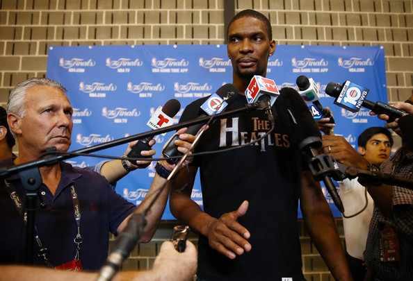 Chris Bosh Says Signing of Carmelo Anthony 'Very Unlikely'