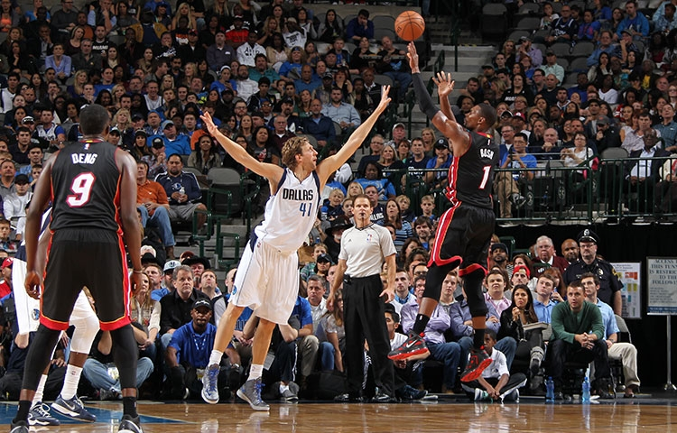 Chris Bosh vs. Dallas Mavericks
