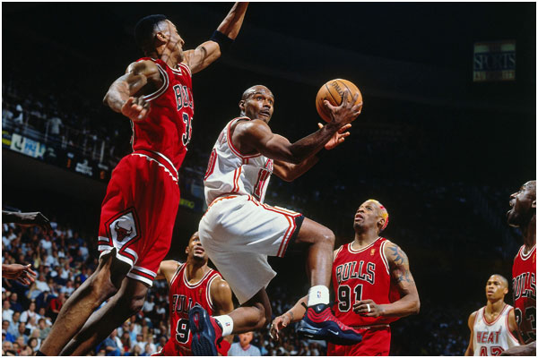 Tim Hardaway of the Miami Heat against the Chicago Bulls
