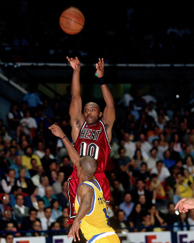 Tim Hardaway shooting a three of the Miami Heat