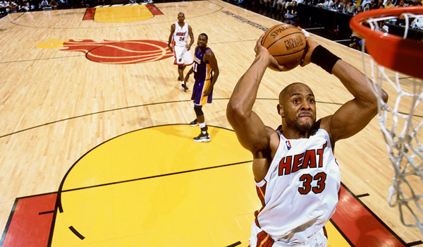 Alonzo Mourning of the Miami Heat