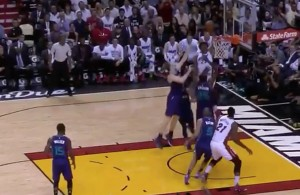 Video: Justise Winslow Dunks on Three Hornets Defenders