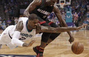 Luol Deng vs. Charlotte Hornets on April 25, 2016