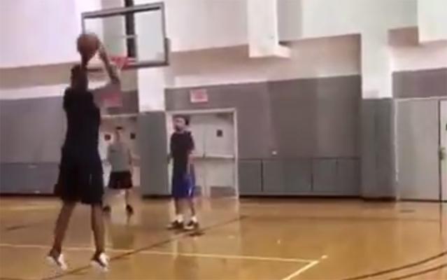 Video: Chris Bosh Seen Going Through Full Workout