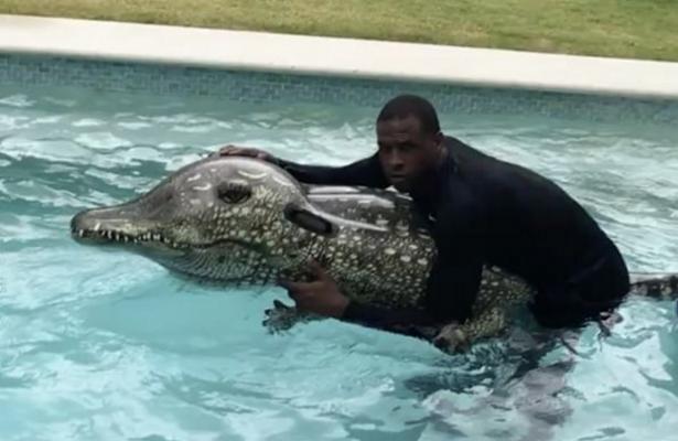 Dion Waiters vs. Alligator