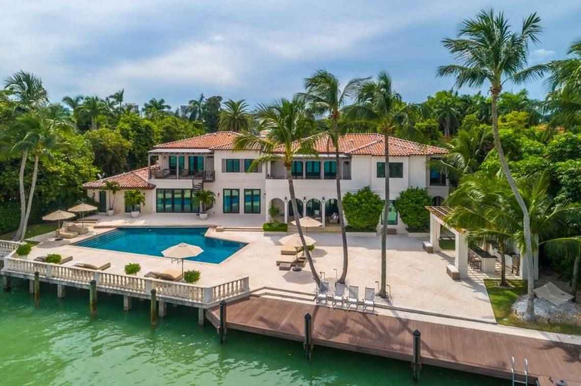 Report: Dwyane Wade Puts Miami Mansion Up for Sale