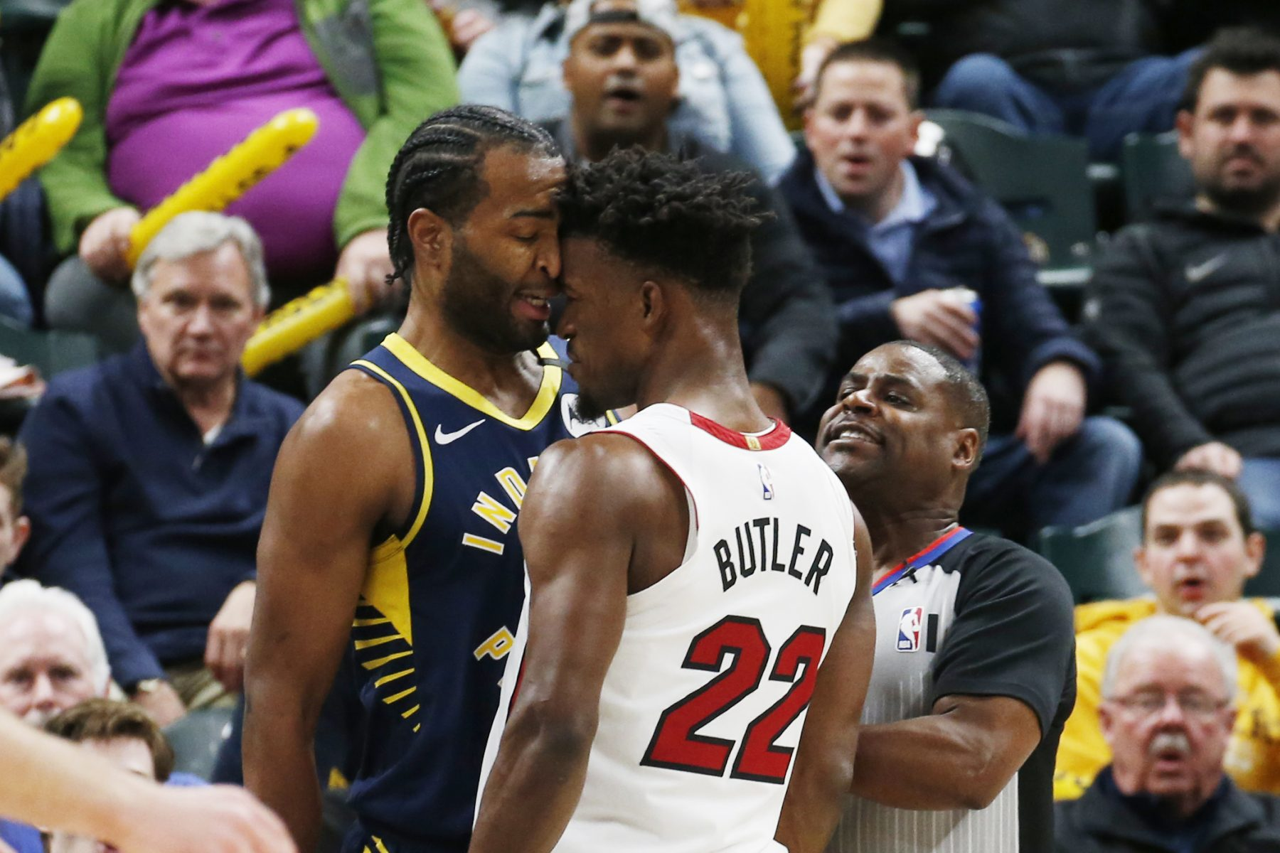 Butler blows farewell kisses after Pacers' Warren earns ejection