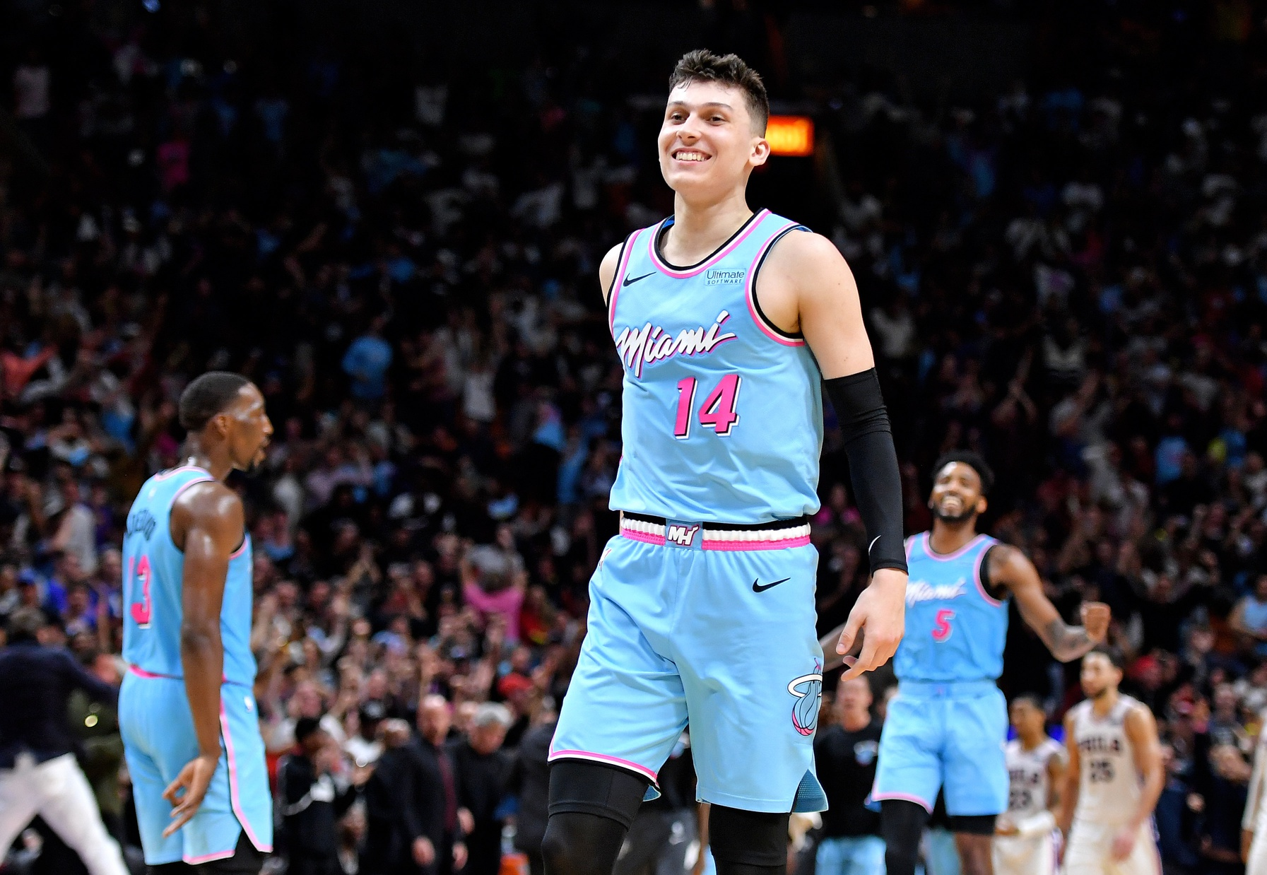 Miami Heat S Tyler Herro Now Has Top Selling Jersey In Nba After Game 4 For The Ages Heat Nation